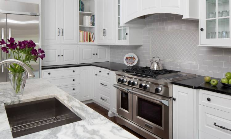 Stainless Steel Backsplash Options for Homeowners